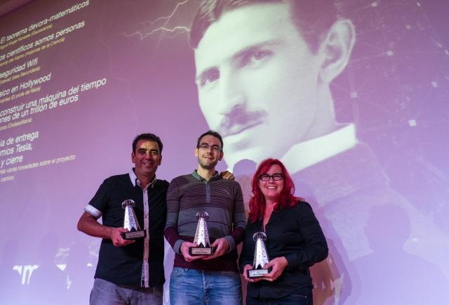 Con XXX y @Claragrima, primer y tercer Premio Tesla respectivamente
