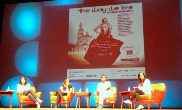 Compartiendo mesa redonda con @carriecomprando, @beautyblog_es y @isasaweis