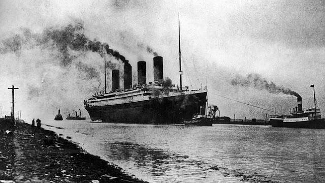 El Titanic zarpando del puerto de Southampton (abc.es)